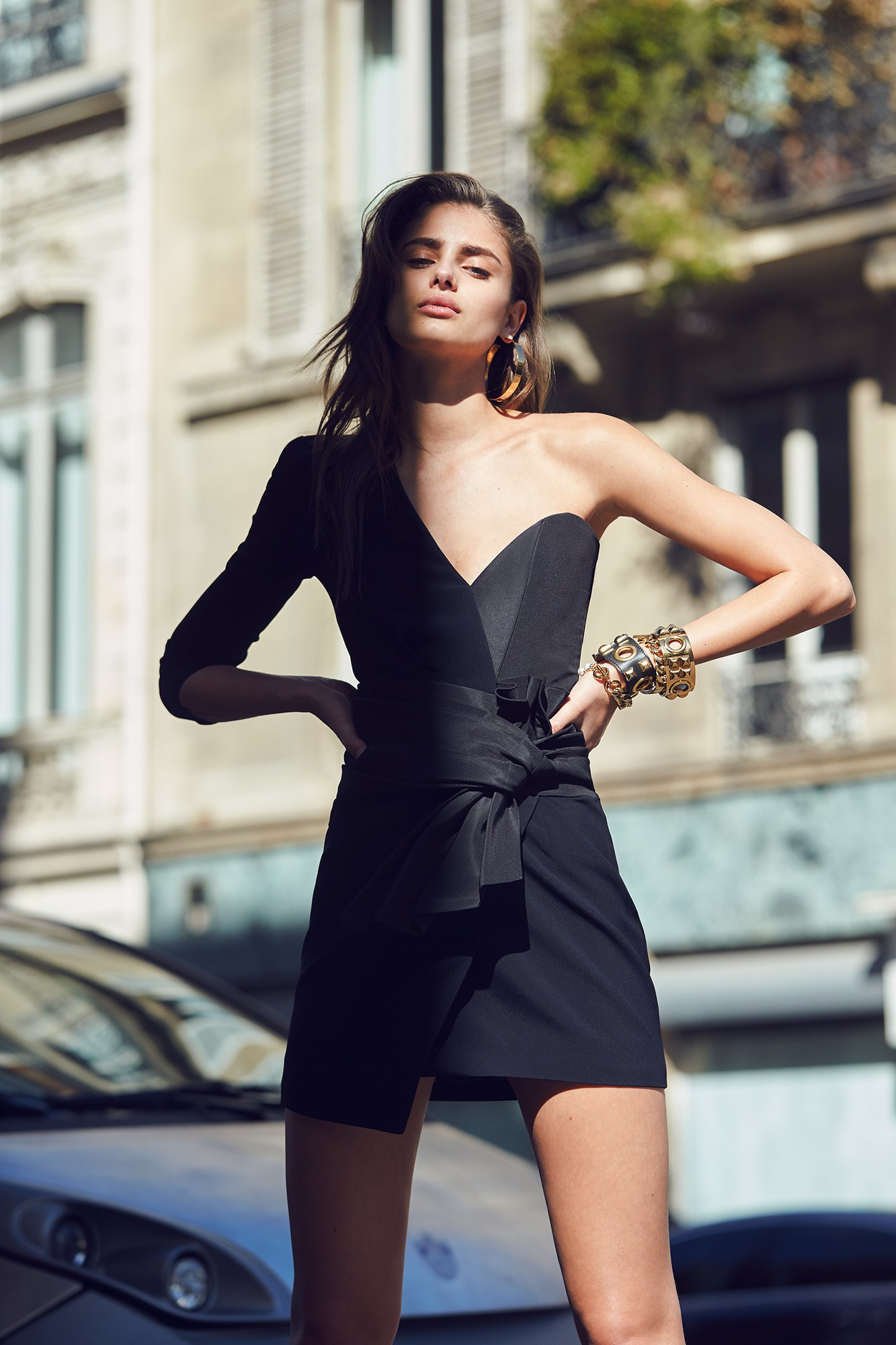 | Projets de LeviSmith | - Page 4 Alexandre-vauthier-rtw-spring-summer-2017-lookbook-taylor-hill-by-david-bellemere-07
