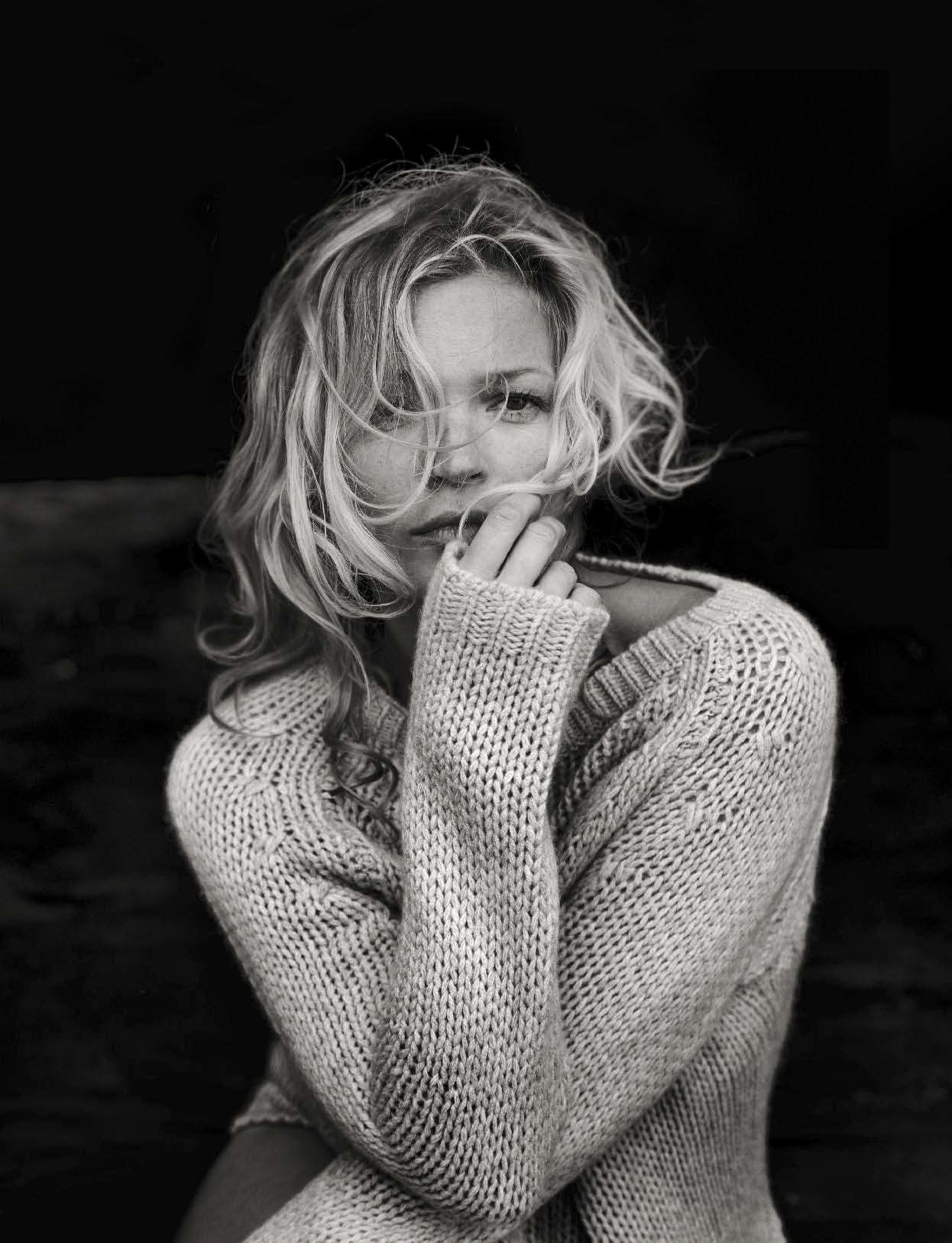 Kate Moss Is The Queen Of Cool On 37th Vogue Uk Cover: Vogue Italia October 2016