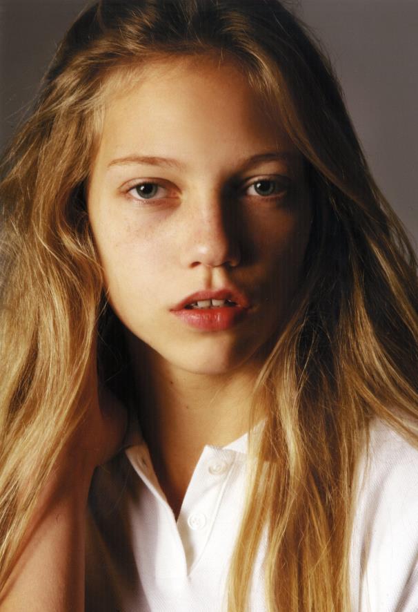 Laura teen model