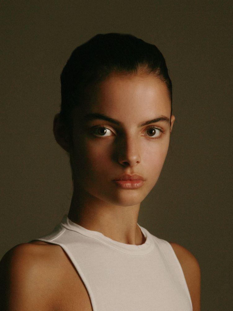 Elle De Vries Img Models