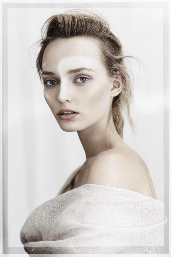 Best 25  Model polaroids ideas on Pinterest | Model comp card ...
